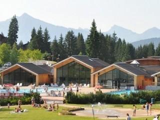 Proche de la piscine