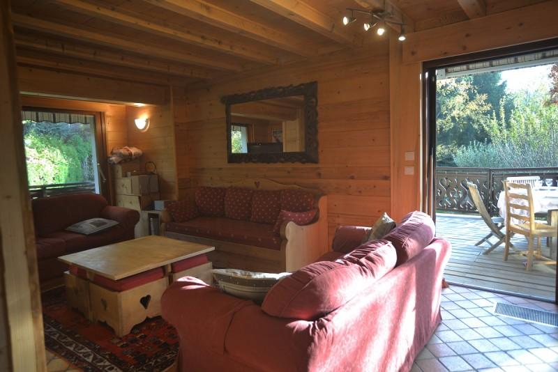 2-salon-et-terrasse-vue-de-la-cuisine-4162345