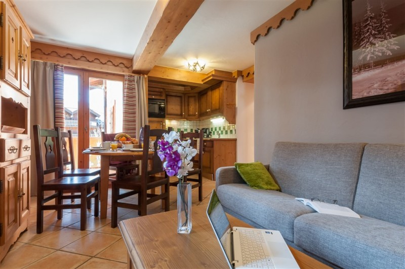 appartement-renove-fermes-du-soleil-893384